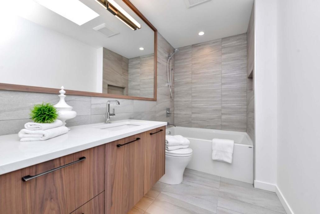 custom home builder bathroom design